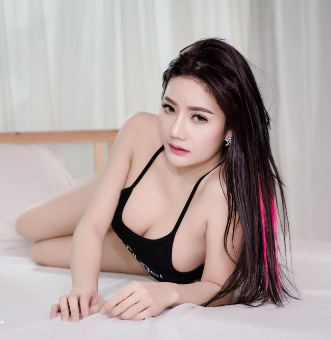 nong-bong-mat-nguoi-dep-Atittaya-Chaiyasing-khoe-nguc-khung (8)