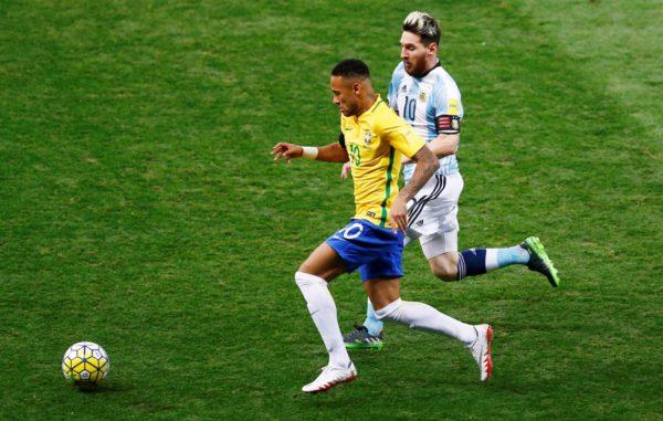 ly-do-neymar-bat-khoc-sau-chien-thang-2-0-costa-rica-2