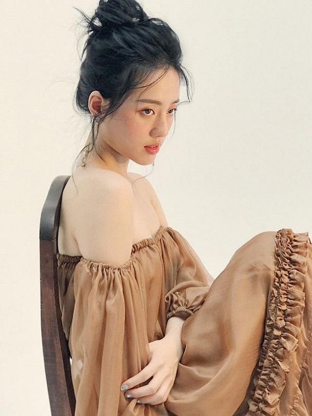nguyen-dang-khanh-linh-hut-fan-voi-phong-cach-cuc-an-tuong (5)