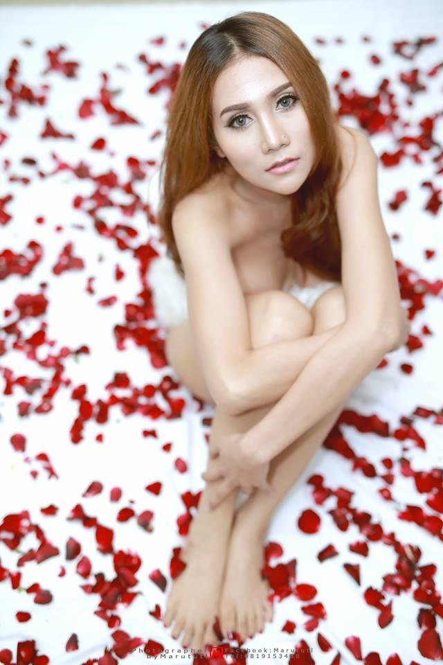 prik-chalipha-khoe-body-muot-mat-khien-cac-chang-me-met (11)