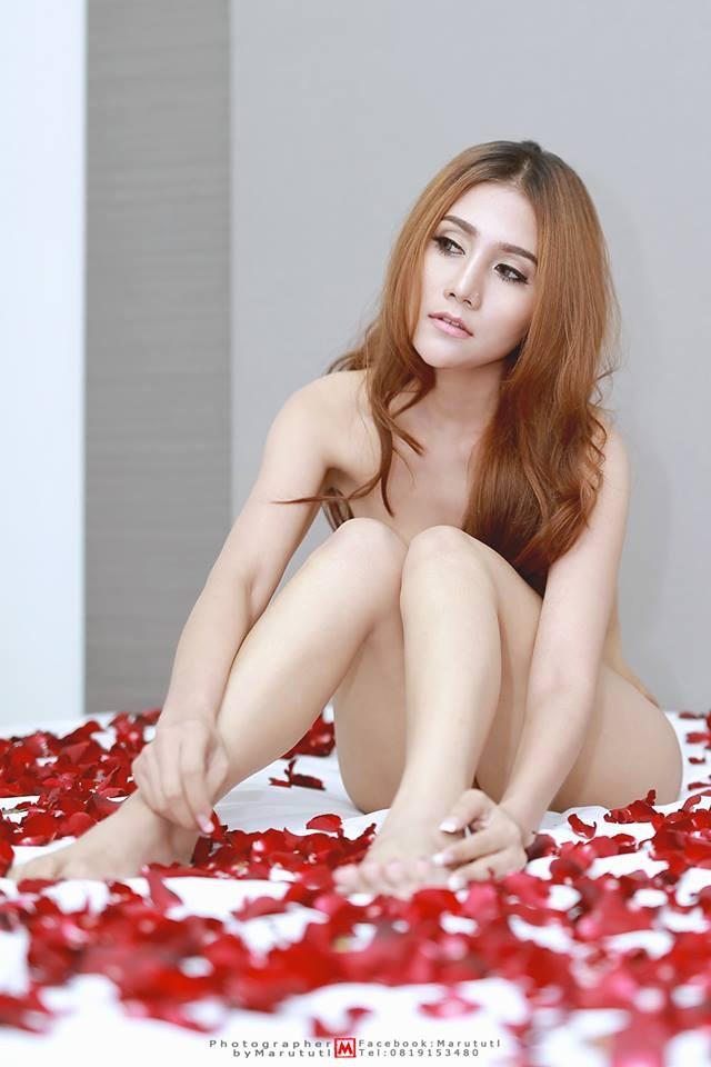 prik-chalipha-khoe-body-muot-mat-khien-cac-chang-me-met (2)