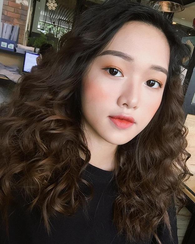 hot-girl-phuong-lan-tha-thinh-khien-cac-chang-chao-dao (2)