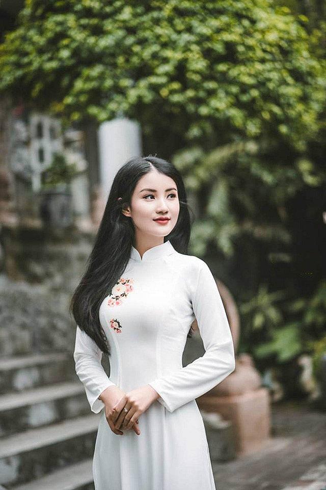 me-man-nang-chu-thi-huyen-trang-xinh-nhu-hoa-hau (11)