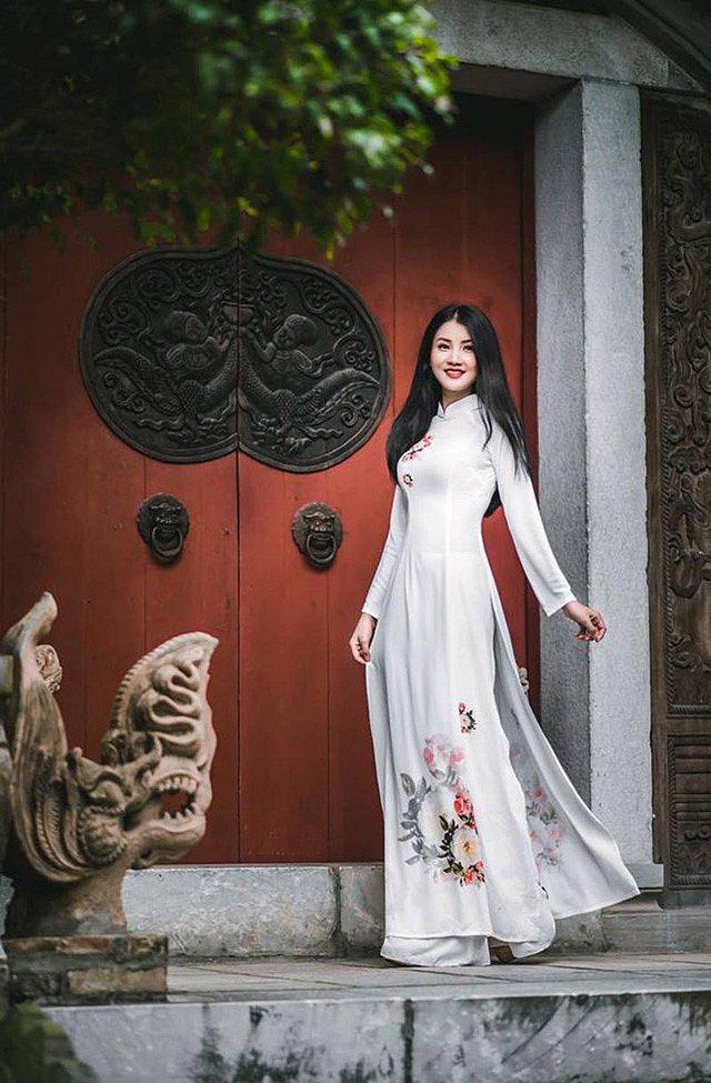 me-man-nang-chu-thi-huyen-trang-xinh-nhu-hoa-hau (9)