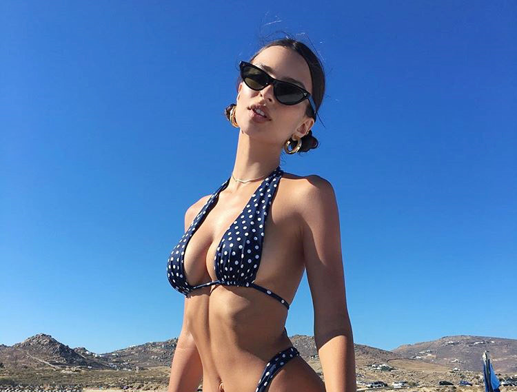 Emily-Ratajkowski-thieu-dot-moi-anh-nhin-voi-duong-cong-hoan-hao (5)
