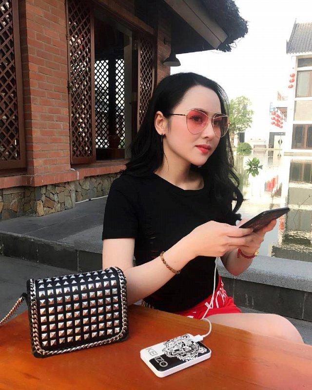 phat-hon-voi-nhan-sac-xinh-lung-linh-cua-co-nang-mai-chuc (8)