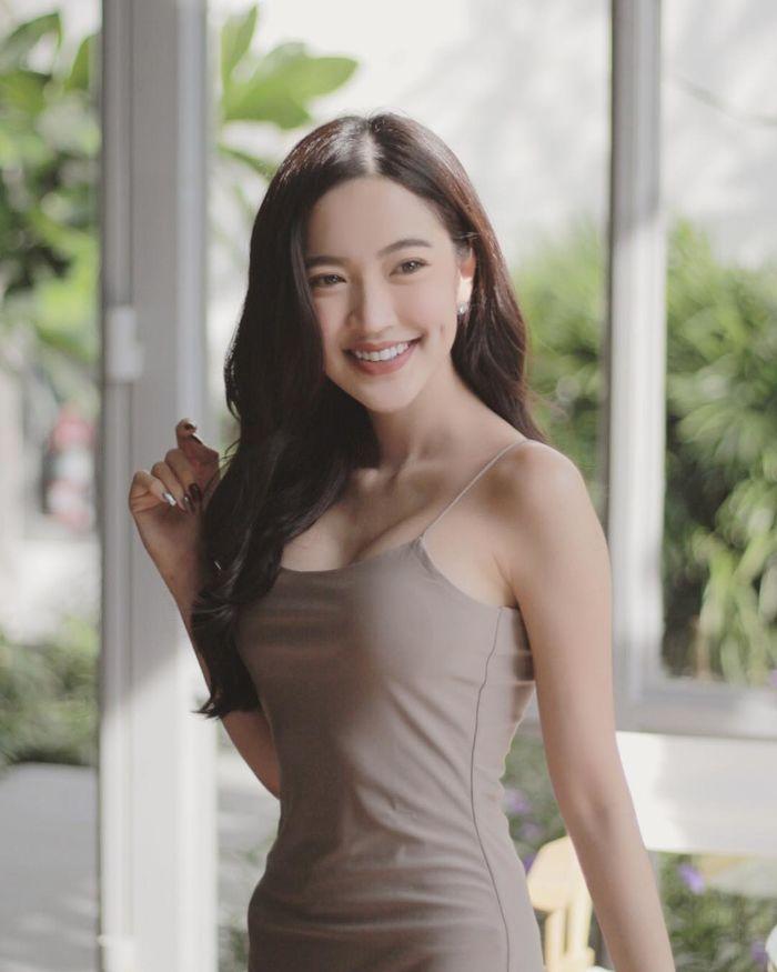 chet-sung-truoc-ve-dep-xinh-nhu-mong-cua-nang-gloy-Pravewan (4)
