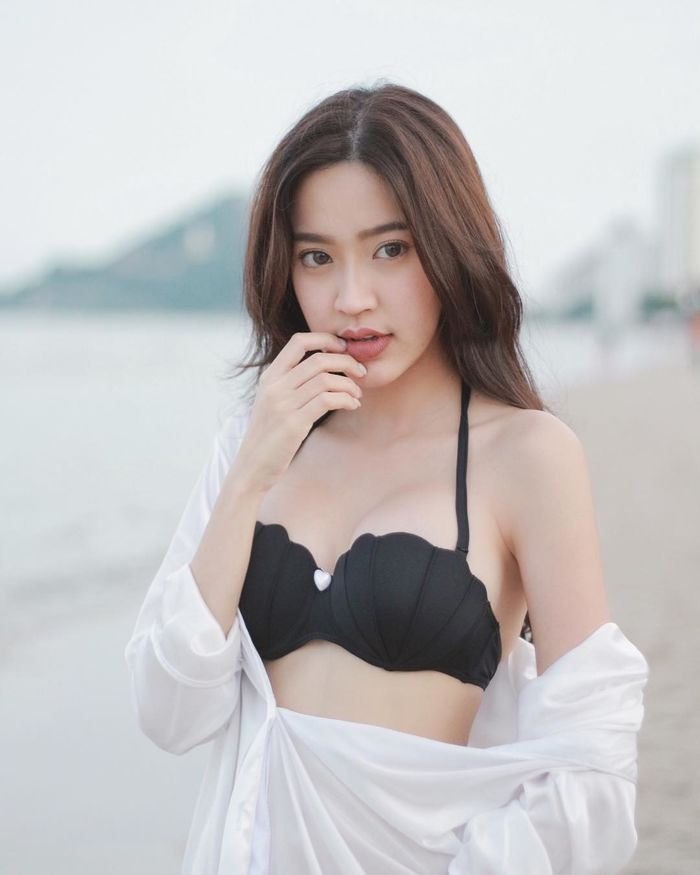 chet-sung-truoc-ve-dep-xinh-nhu-mong-cua-nang-gloy-Pravewan (5)