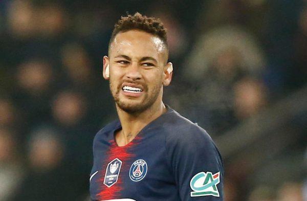 neymar-bi-gay-xuong-chan-lo-hen-voi-man-united-2
